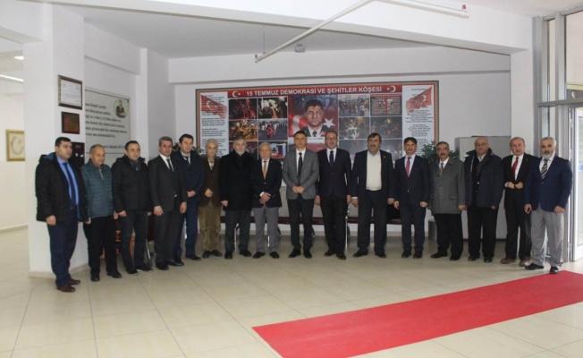 Ümraniye Kaymakamı Suat Dervişoğlu'ndan Esenşehir ve Esenkent Okullarına Ziyaret