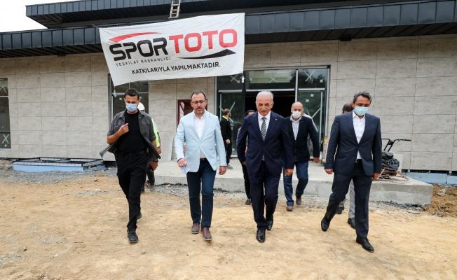 Bakan Kasapoğlu, Ümraniye'deki Spor Tesislerini İnceledi